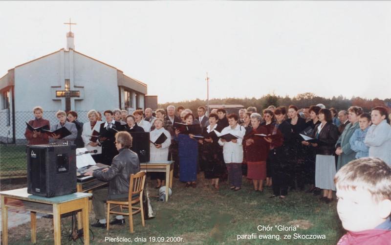 2000-09-19-ekum-dzwon-piewaa-gloria