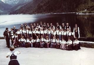 1988 Nad jeziorem Gosau (A) pod szczytem Dachsteinok
